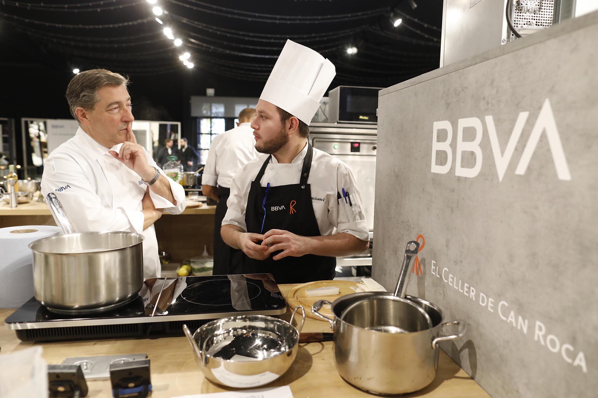 Evento entrega becas hostelería BBVA construcción de cocinas