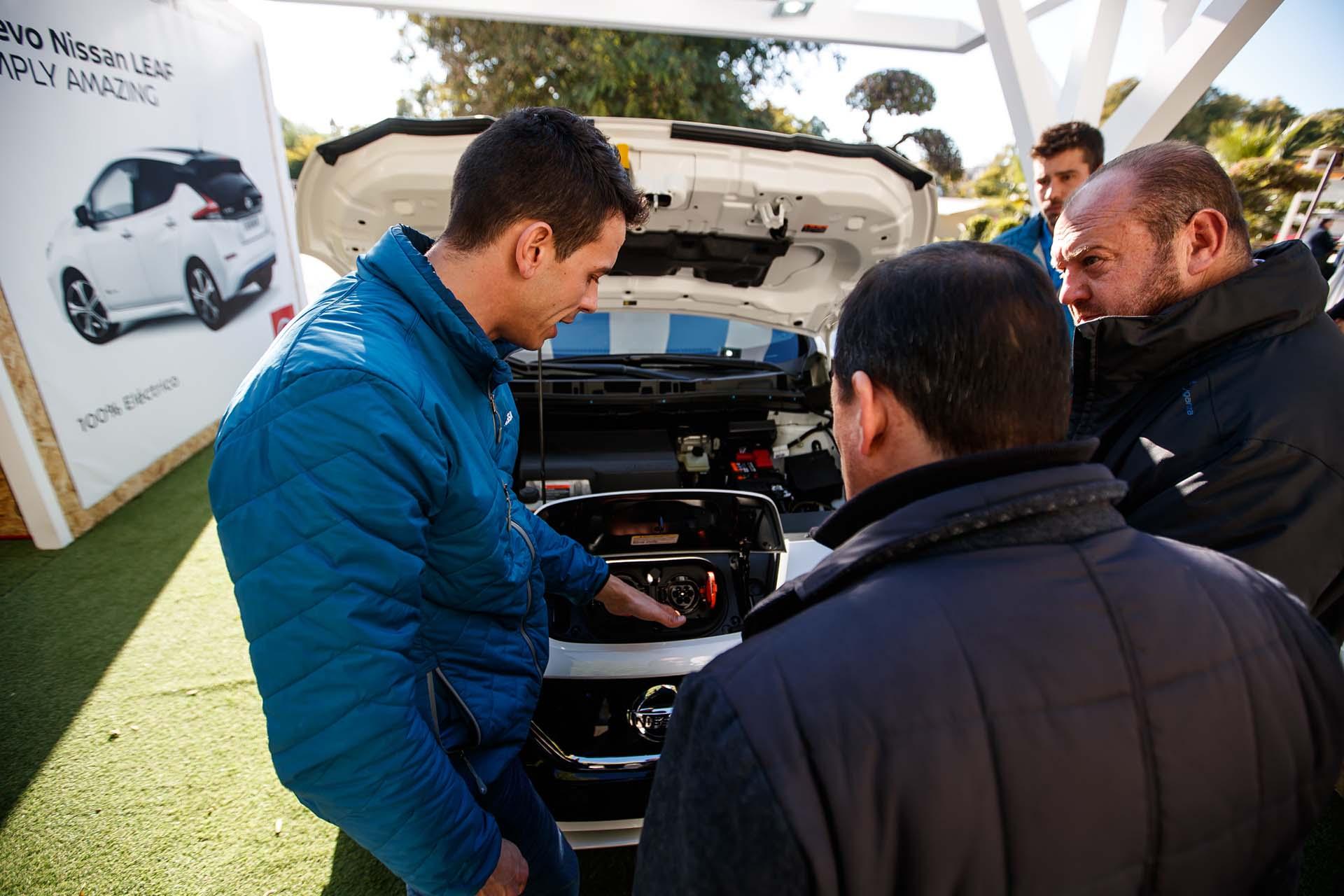 Roadshow nissan leaf event. Area testing drive design