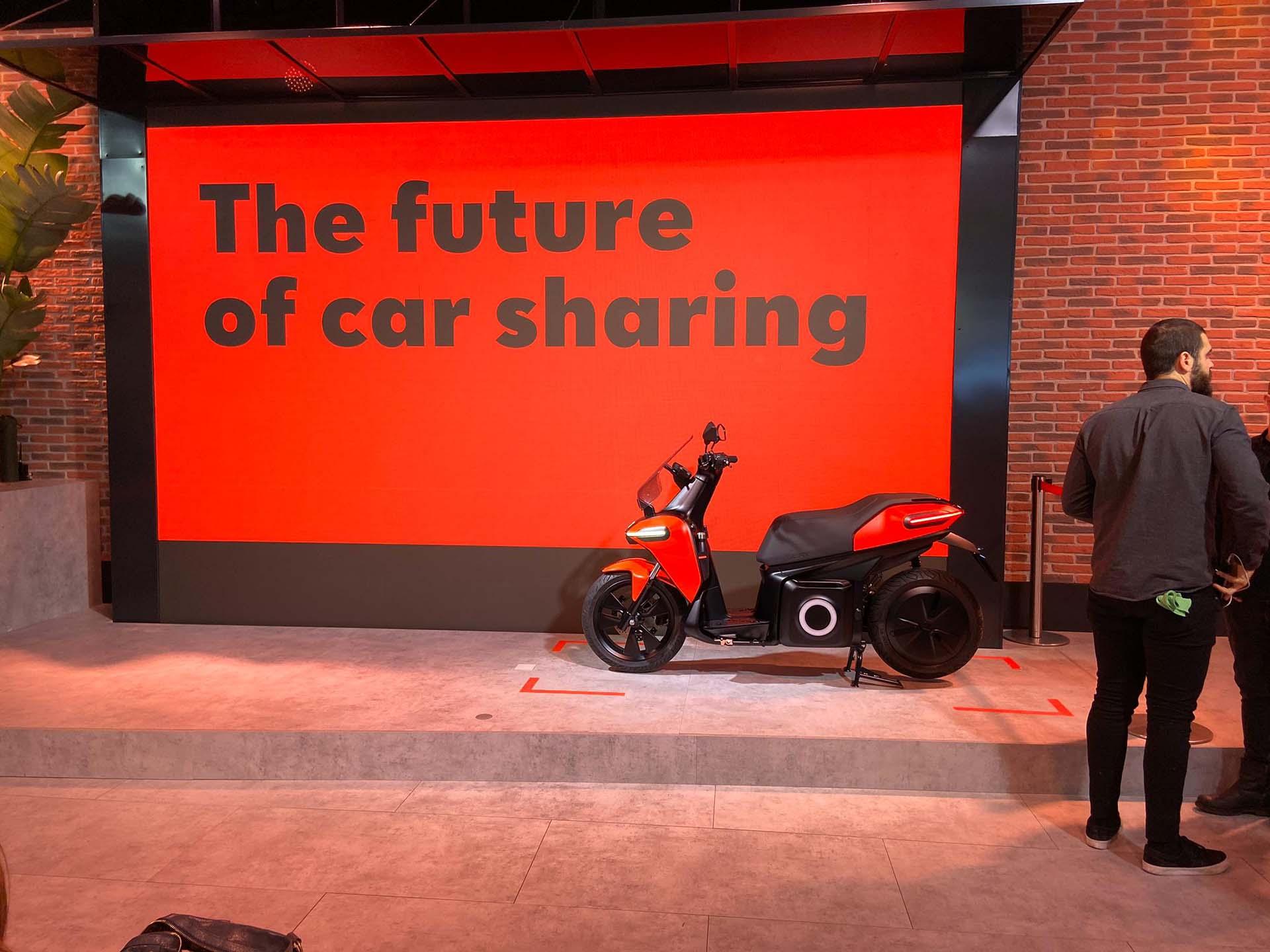 Evento presentación moto eléctrica seat. Instalación pantalla led