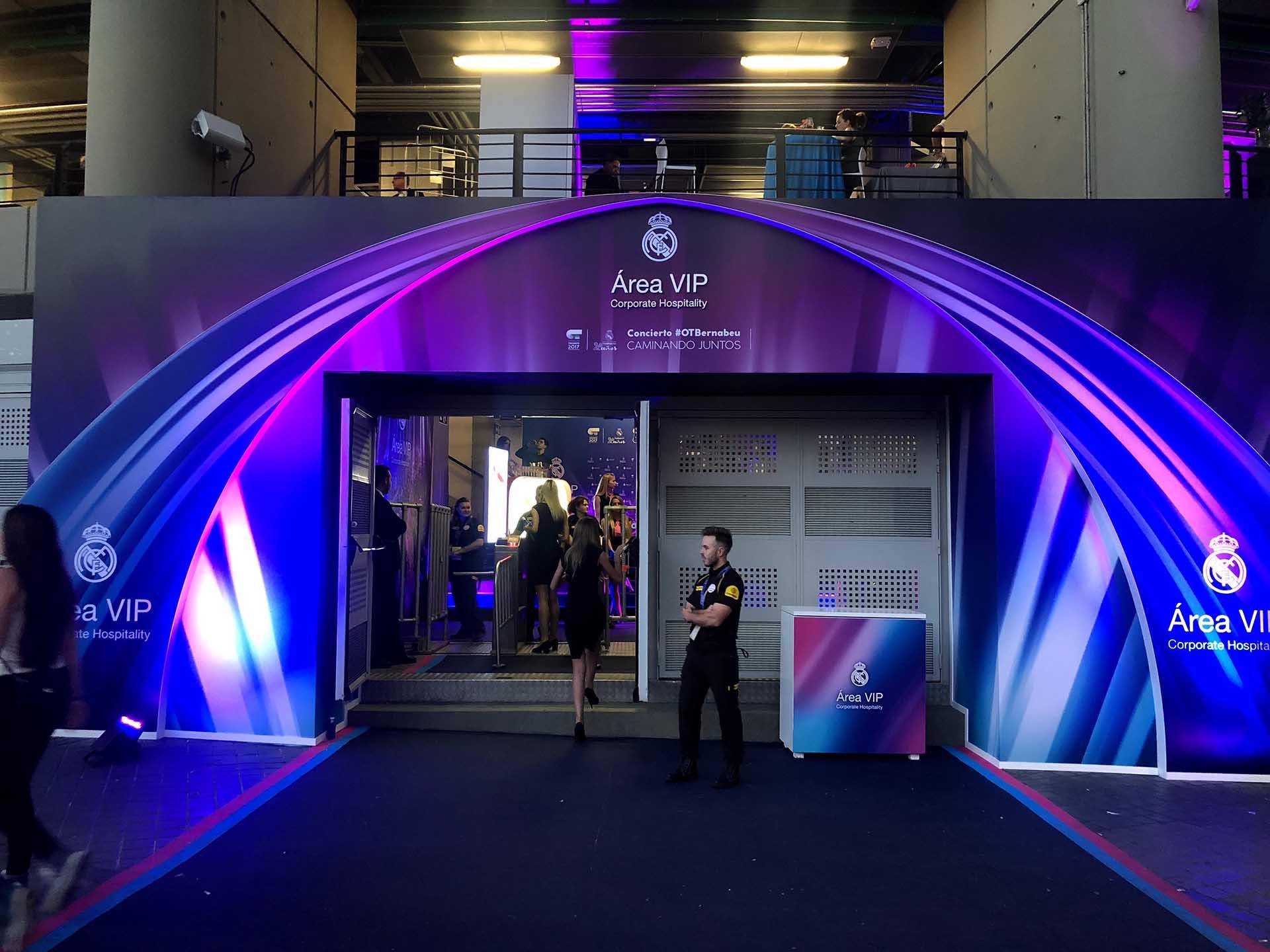 Evento anual área vip Real Madrid. Decoración acceso