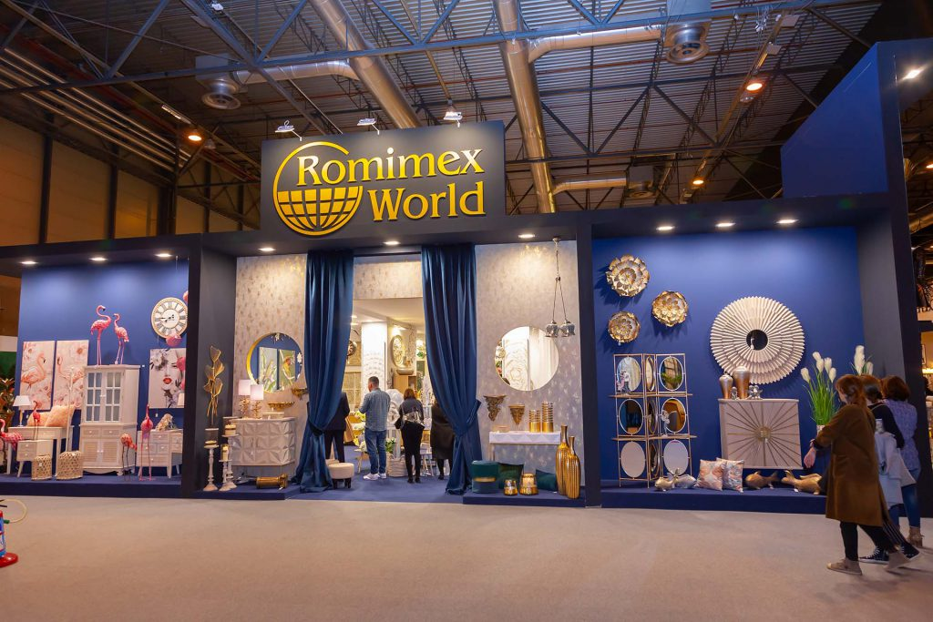 Rominex World Stand. Wood stand production