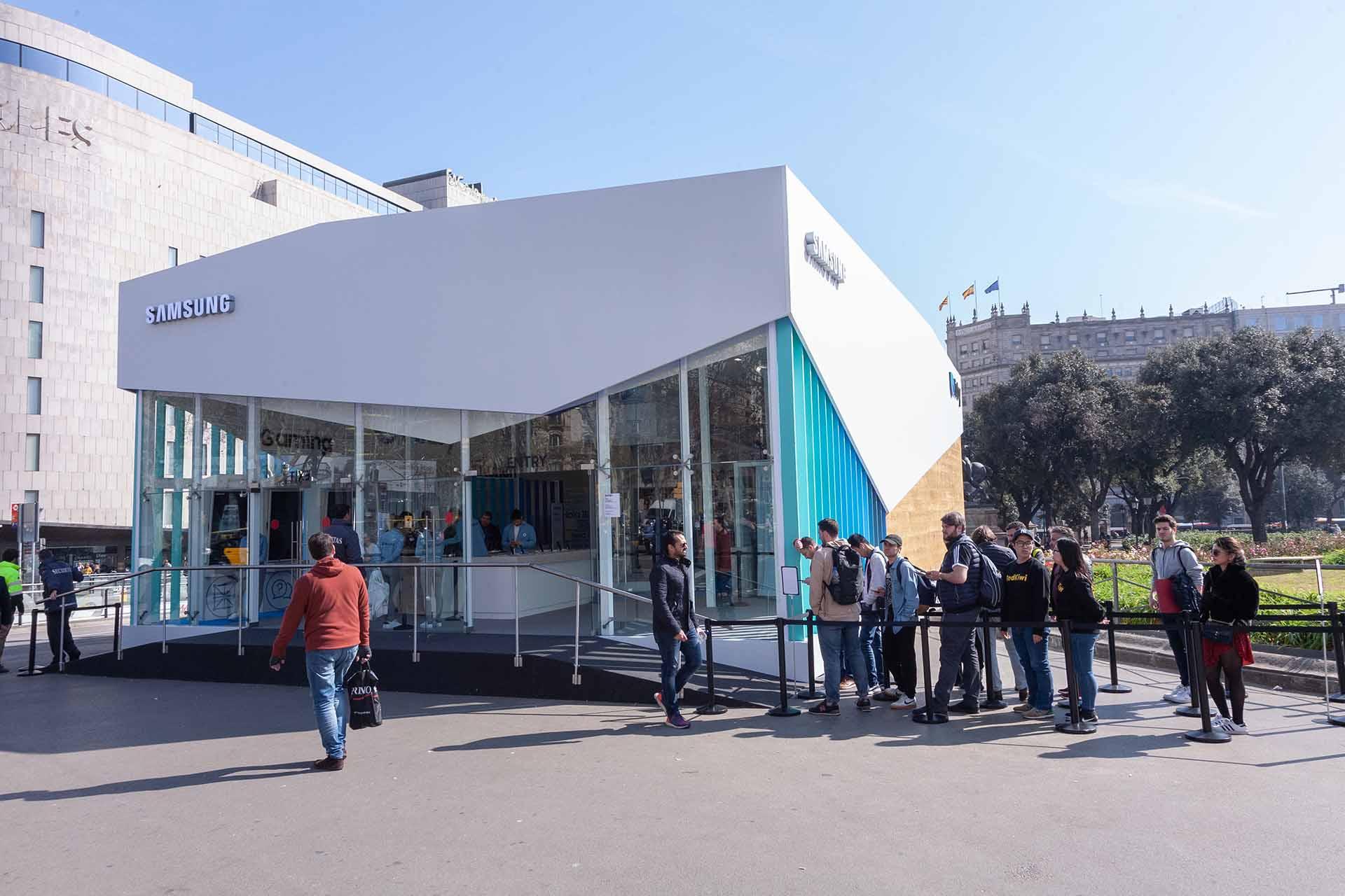 Pop up Samsung Bixby. Diseño espacio