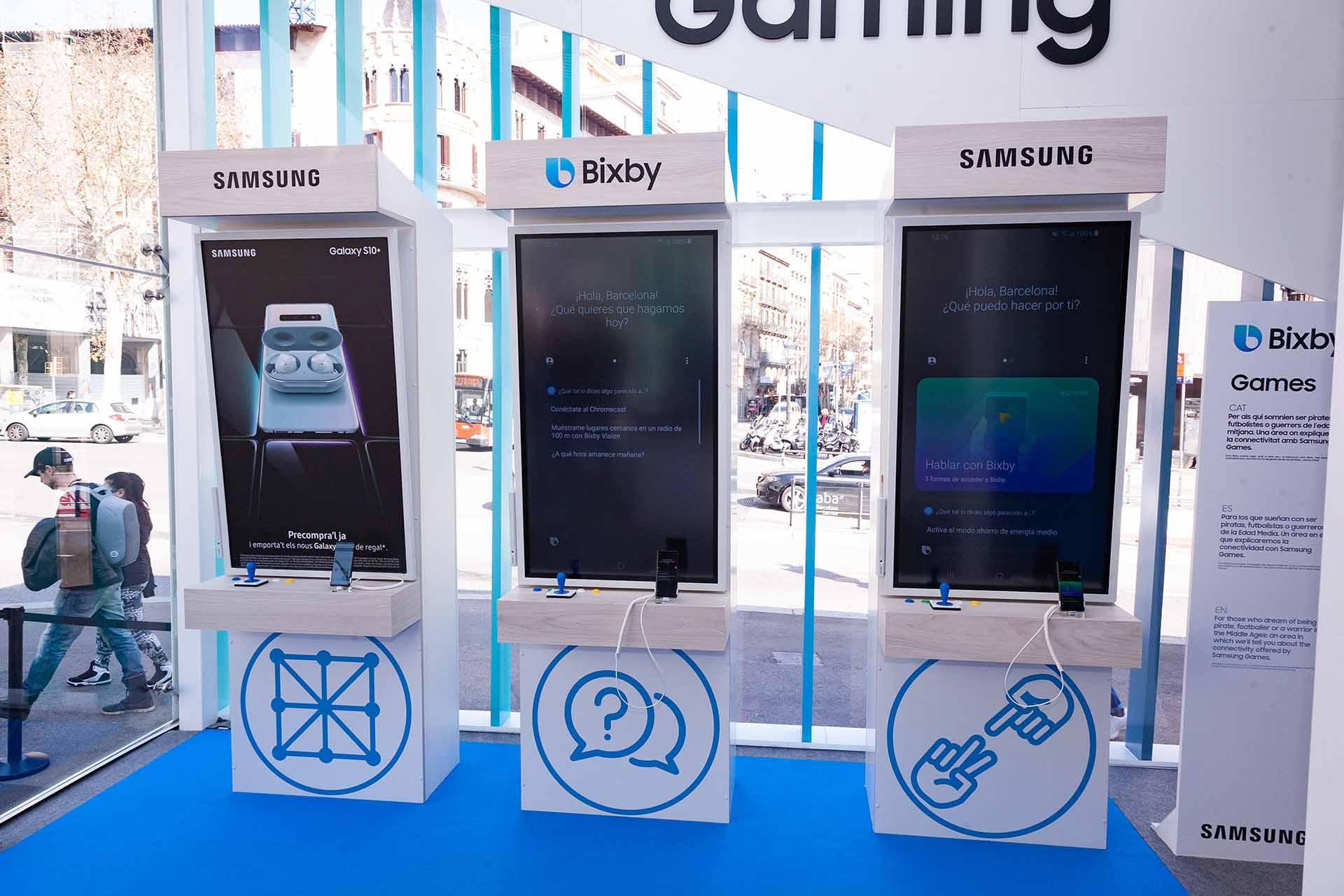 Pop up Samsung Bixby. Producción puestos conexión