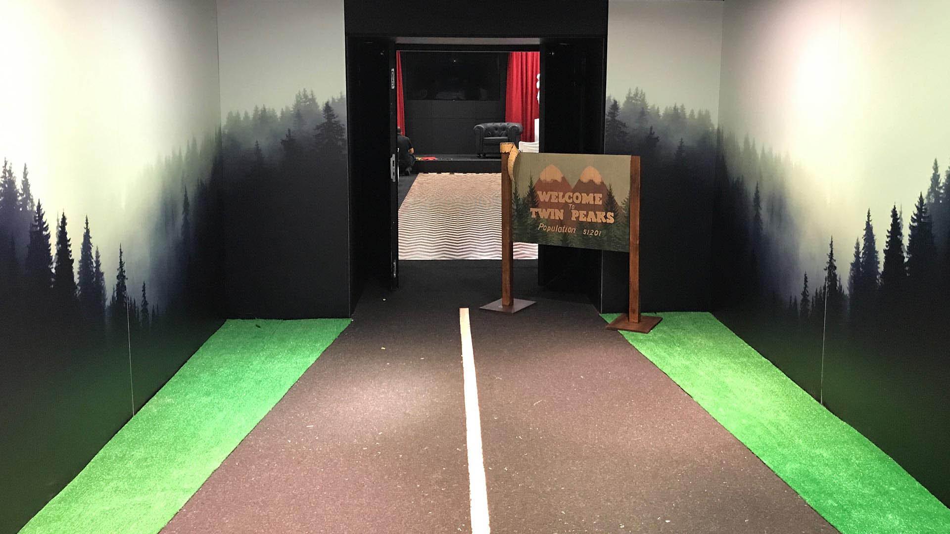 Twin peaks Event presentation. Auditorium access design