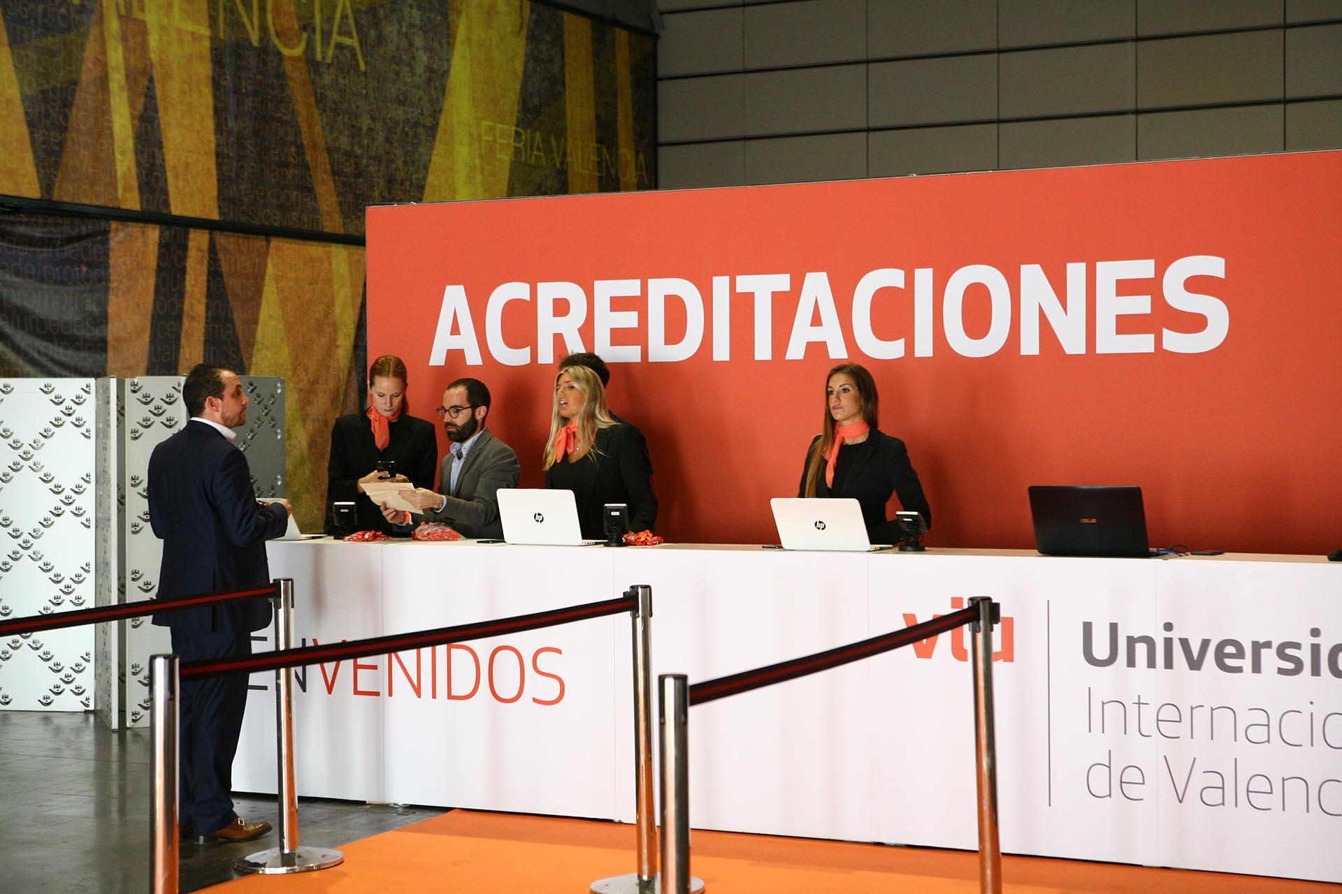 Evento graduación VIU. Diseño zona acreditación